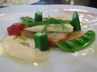 グラティア - 白身魚のムニエル、フェルメドボアソソース