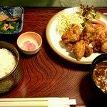 味慎 - 鶏唐揚げ定食 850円