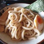 麺屋ジョニー - タピオカ粉を練り込んだ極太麺