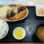 岸和田サービスエリア(下り線)スナックコーナー - みそかつ定食 720円