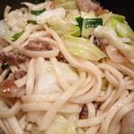 播州佐用名物(つけ麺)ホルモン焼うどん テン - 焼きうどんUP