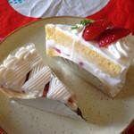 40271645 - カマンベールチーズケーキ                         & いちごのショートケーキ♡