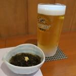 ひら川 - 27年7月 生ビールとモズク酢