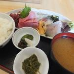 清元 - すずきと鮪の刺定 1,080円