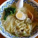 40274732 - 塩ワンタン麺(柳麺)860円