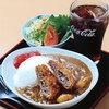 道の駅 たけゆらの里おおたき - 料理写真:忠勝カレー:いのししメンチが乗ったカレー