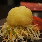 ばぁーどはうす○勝 - 前菜サラダ=玉葱美味し
