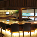 ステーキ・鉄板料理和かな - 内観写真:カウンター席