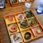 無鹿 - 前菜の盛り合わせ(プラス200円で鹿肉を使ったものに3つ変えてもらいました)