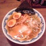 玉醤油:756円+大盛:108円(税込)【2015年7月撮影】