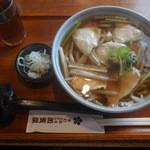 加賀屋 - 料理写真:若鳥うどん¥830-