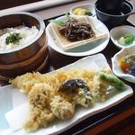 横丁まるせい - 天然ふぐ天ぷら御膳