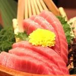 寿司・居酒屋 海福 - 料理写真:本まぐろ中トロ刺し 880円