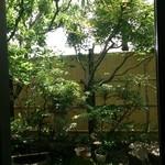 40301334 - 中庭も素敵です♪
