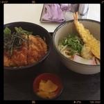 カロヴァーレ - ソースカツ丼