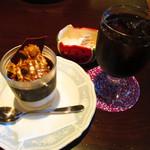 シュクレ - ケーキ、アイスコーヒー