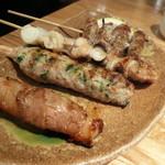 テング酒場 - 上から豚アスパラ串、ねぎ間串、つくね塩、豚もち串