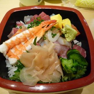 しょうぶ - 料理写真:海鮮丼☆新鮮な魚介類がてんこもり!