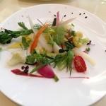 40311643 - 20種類の野菜と美瑛産ななつぼしを添えたサラダ