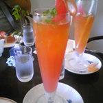 40312510 - フレッシュジュース・グレープフルーツ (しぼりたてのフレッシュなジュースで暑い夏には爽やか)