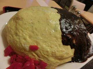 レストランito - 片や綺麗な色合いの卵焼き