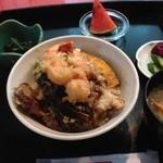 割烹 まる十 - 料理写真:この日のランチ、天丼!