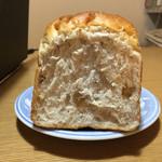 レアリッチ - くるみ食パン 断面