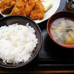 サンライズ - ランチのご飯と味噌汁