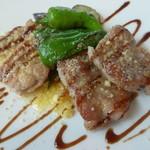 40333607 - 豚肩ロース肉と鶏腿肉のソテー、バルサミコソース