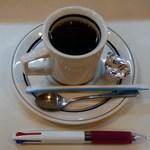40337285 - サービス品のコーヒー。
