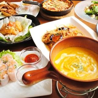 ★メニューの豊富さも人気♪100種類以上のリーズナブルな料理