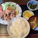 秋桜 - 料理写真:から揚げ定食 800円