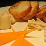 BAR T&A.ROOM - チーズの盛り合わせ