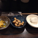 40350385 - 最初に来た小鉢物3種、あとお吸い物も出ます( ´ ▽ ` )ノ