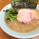 武蔵家 沖縄本店 - ラーメン700円