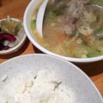 40353943 - とある日。白ご飯小と小鍋の様な豚汁。美味し(^.^)