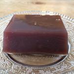 清月堂本店 - 料理写真:水羊羹(小倉)、横から