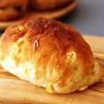 しろはとベーカリー - コーンと醤油のパン!