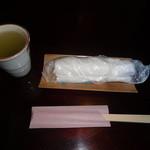 40357101 - お茶とお絞り