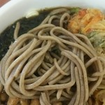 KIOSK勝田そば - そばは田舎蕎麦的な風味に甘めのつゆ!