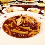 40367307 - 牛ほほ肉の赤ワイン煮込みのパスタ