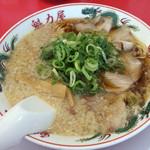 ラーメン魁力屋 - 特製醤油らーめん(麺かため、脂多目)