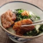 焼肉KUTARO - 焼肉ごはんガーリック