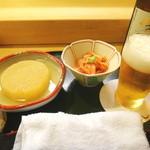 つばさ寿司本店 - 瓶ビールとお通し