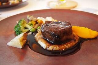 ジョルジュ マルソー - お肉はほほ肉の煮込み★ソースがやさしくメインを引き立て