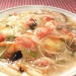 鳳春 - かに玉=カニと野菜のあんかけ、新感覚かに玉。。。野菜の量は約150g