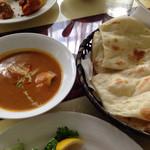 Ashoka - チキンカレーとナン