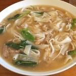エイケイコーナー - 今日のランチは?       ラッナー センヤイ タイの米粉麺あんかけ焼きそば
