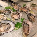 40388891 - 牡蠣盛り合わせ3種類のソース(8個) 3800円