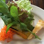 ウーノ ウーノ - 料理写真:ランチのサラダ
